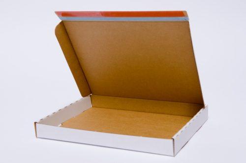 Postituskotelo A4 liima- ja repäisynauhalla