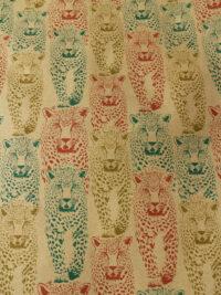 Lahjapaperi 100 % kierrätettyä paperia gepardiaiheella.